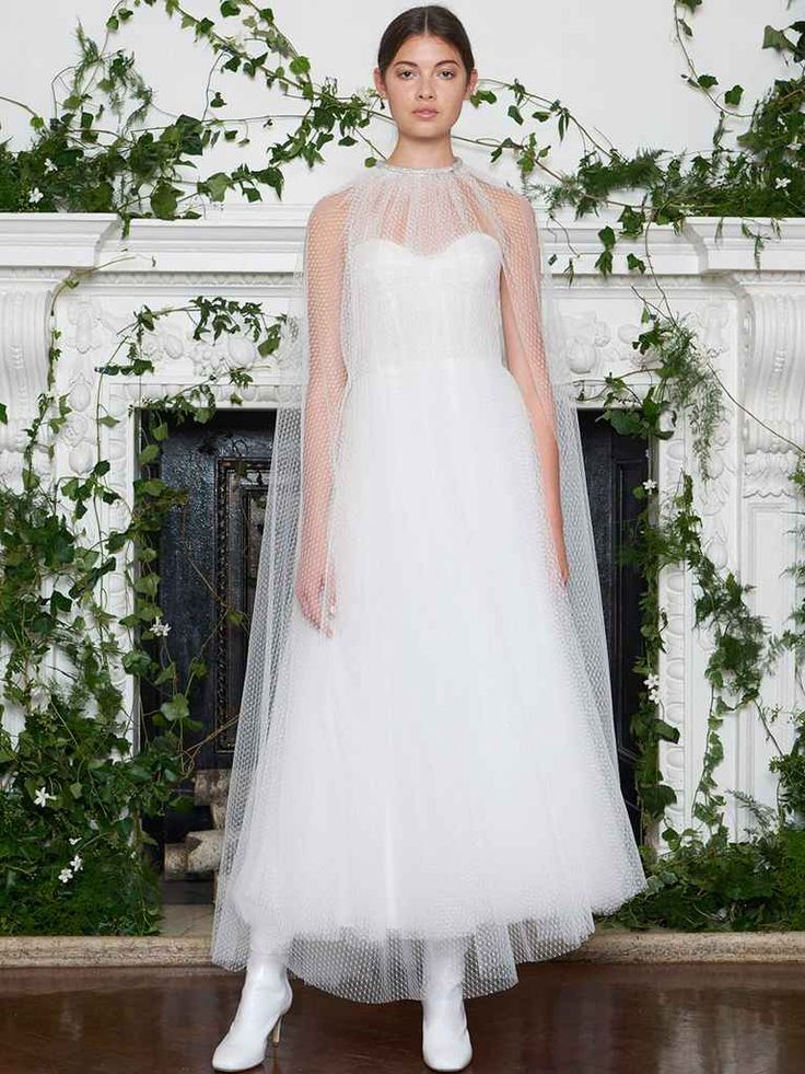 Monique Lhuillier Fall 2018: Delicate Wedding Dresses With an Unexpected Edge | TheKnot.com