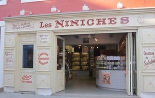 Les Niniches - Le Palais