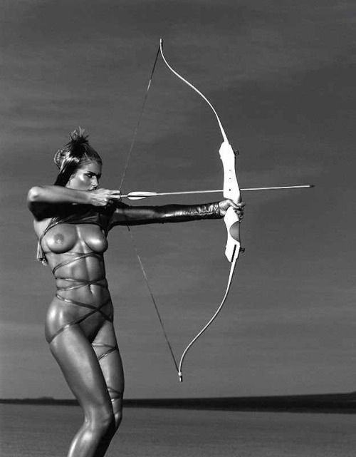 archery-girls-naked-bow-and-arrow