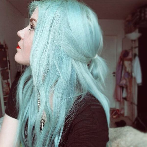 Nice mint green hair color idea from our girls~ love this cool color in a hot season