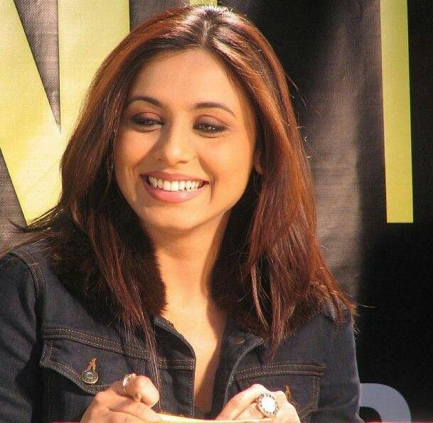 rani-mukherjee-hot-naked-arse-pic-nonude-miley