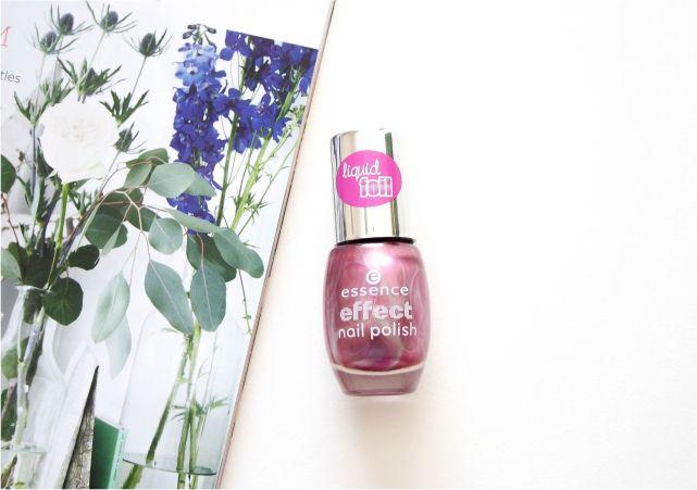 Essence Liquid Foil Effect Nail Polish #nails #nailpolish #mani #beauty #beautyblog #beautyblogger #mani #nailart #nailpolish