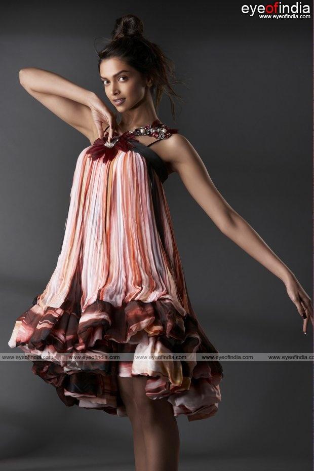 interesting design: Deepika Padukone