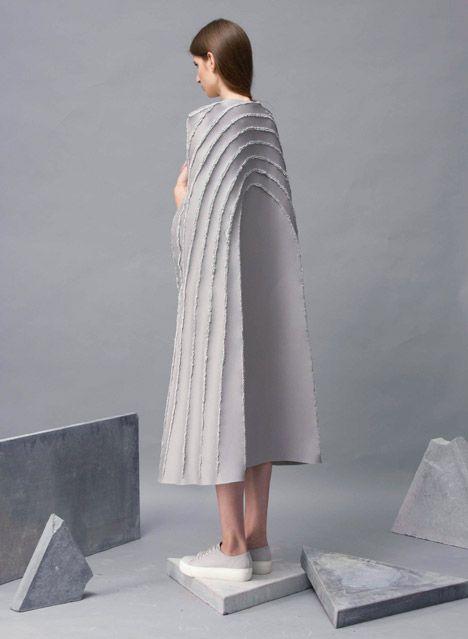 La collection Provo-CUT de Zita Merényi a tout pour nous surprendre et pour nous séduire. Pas d'aiguille mais un fer à souder pour créer ces pièces sculpturales aux allures futuristes.…