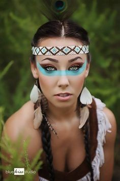 Not that I enjoy the idea of dressing up as a native American - I don't want to insult anyones culture..., just the shape of the eye makeup is really beautiful.