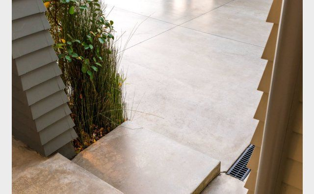 Peter Fell Coloured Concrete | Beautifully executed drive way