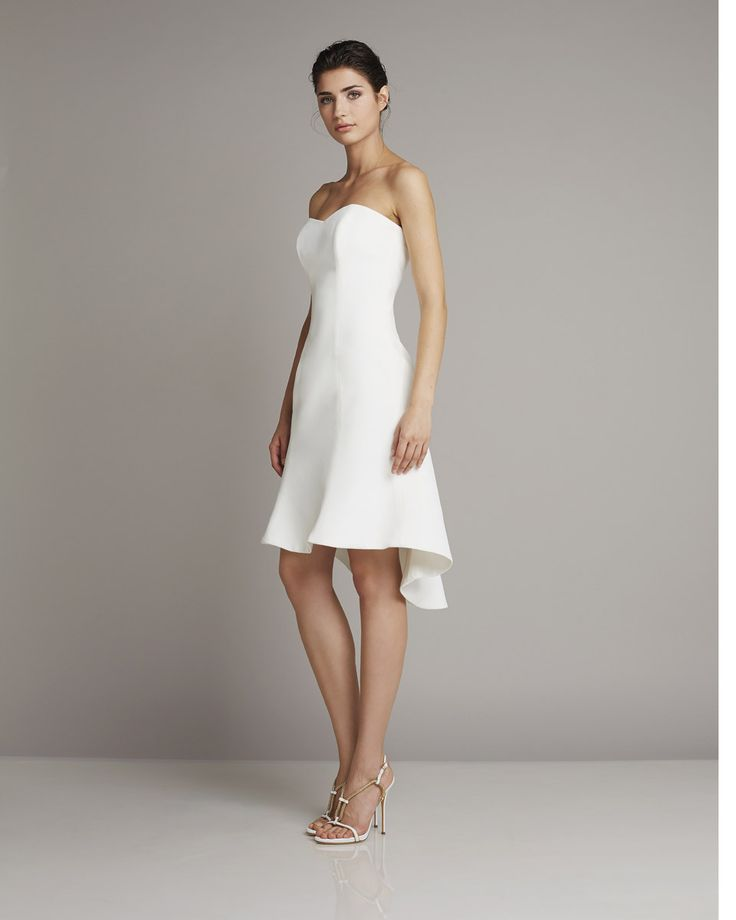 This strapless short dress is charming, a bit sensual and undoubtedly sophisticated. www.giuseppepapini.com