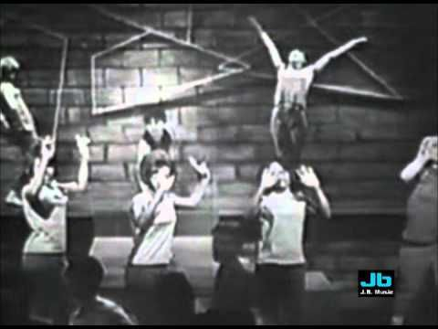 The Dixie Cups - Chapel of Love (Hollywood A Go Go - Dec. 25, 1965)