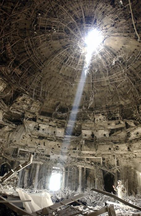 Destroyed building light