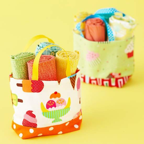 Small Treat Totes ~ Stumped over what to make from those irresistible fat quarters? They're the perfect size for these cute mini totes.  Get step-by-step instructions