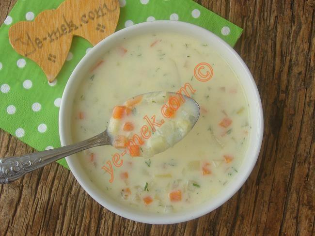 Bol sebzeli, bol vitaminli ve oldukça da besleyici bir çorba tarifi...