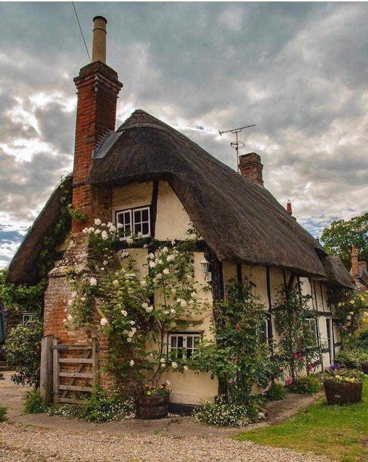 Pin By Johnny Sand On Places Spaces In 2020 Dream Cottage Fairytale Cottage Storybook Cottage