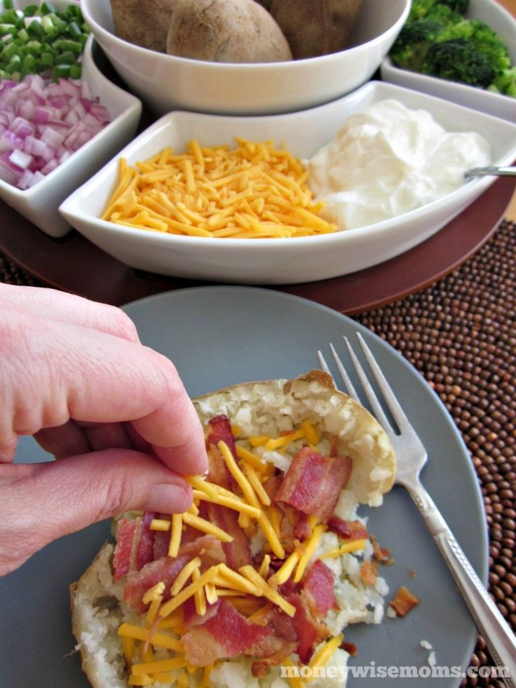 Baked Potato Bar | perfect for parties, potlucks and family reunions this #summer! #ad #showusyourmess #PMedia| MoneywiseMoms