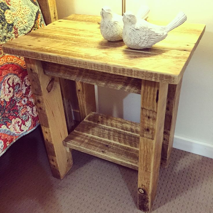 Pallet Side / Lamp Table