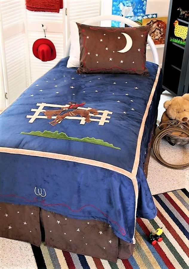 17 best ideas about western bedding sets on pinterest for Cowgirl bedroom ideas for kids