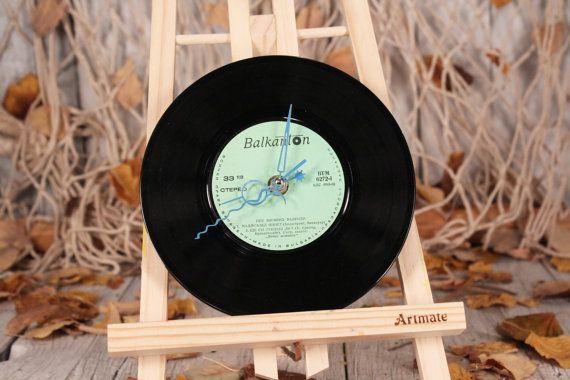 Vinyl record clock - Vinyl record wall clock - Vinyl clock - Modern wall clock - Kids clock - Recycled vinyl record - Vintage wall clock