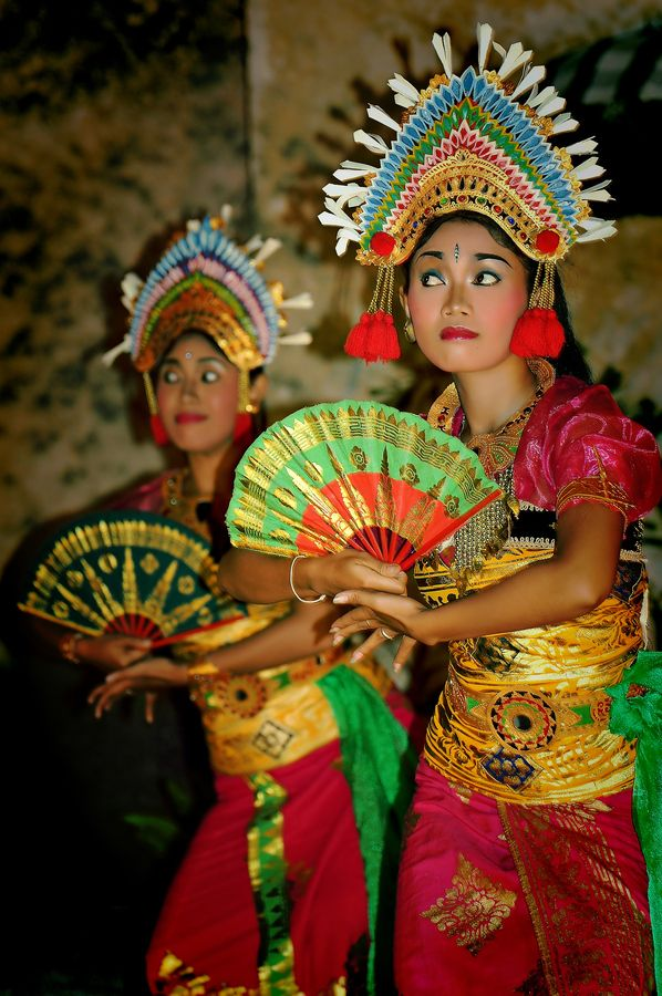 Balinese Dance (Indonesia). 'Enjoying a Balinese dance performance  is a highlight of a visit to Bali. The  haunting sounds, elaborate costumes, careful  choreography and even light-hearted comic  routines add up to great entertainment.' http://www.lonelyplanet.com/indonesia/bali