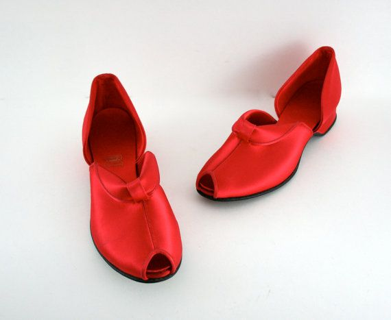Vintage Red Satin Shoes Genie Slipper Style by xoUda on Etsy, $29.00