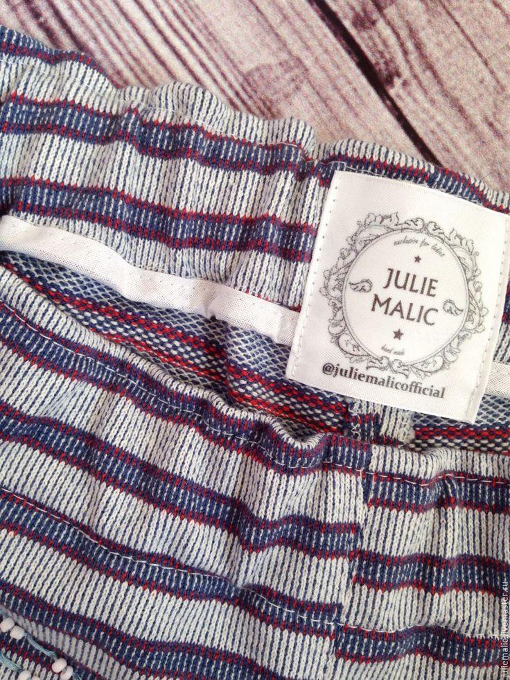 Купить Дизайнерские пляжные шорты, итальянский трикотаж, декорированы вручную - пляжные шорты, летние шорты