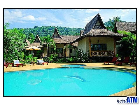 Phi Phi Cheap rooms; Phi Phi Villa Resort, see article http://phi-phi.com/articles-phi-phi-info/accommodation/phi-phi-cheap-rooms.htm
