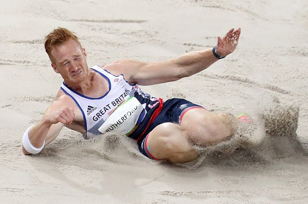 FEB12-Greg-Rutherford-competes-in-his-Mens-Long-Jump-Qualifying-Round.jpg (615×409)