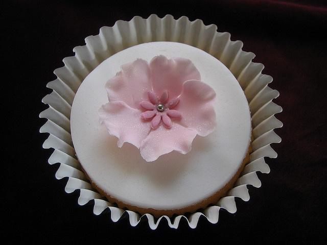 Pink fantasy sugar flower by vanessa-anne, via Flickr
