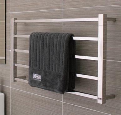 DC Short Cubo Heated Towel Rail