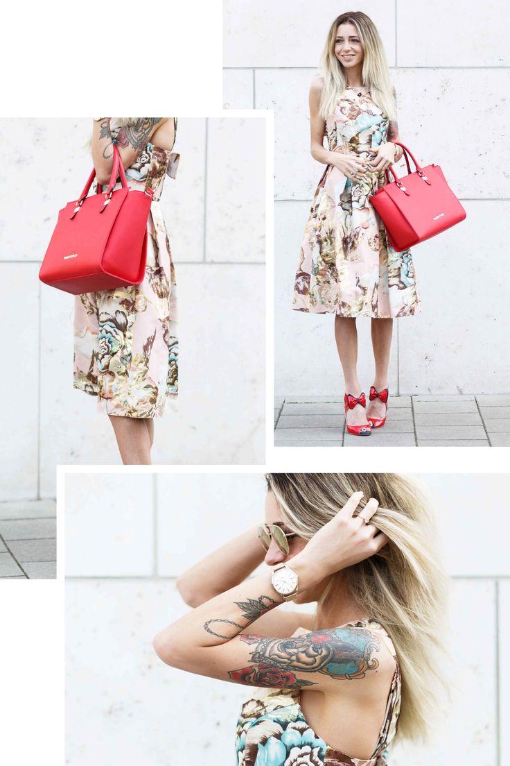 Outfit: Miss Selfridge Dress /w Valentino Bag & Red Pumps // Fashionblog Köln - Streetstyle - Spring - Summer - Outfit - Kleid - Handtasche -Sonnebrille - Flowerprint - ootd - Modeblog
