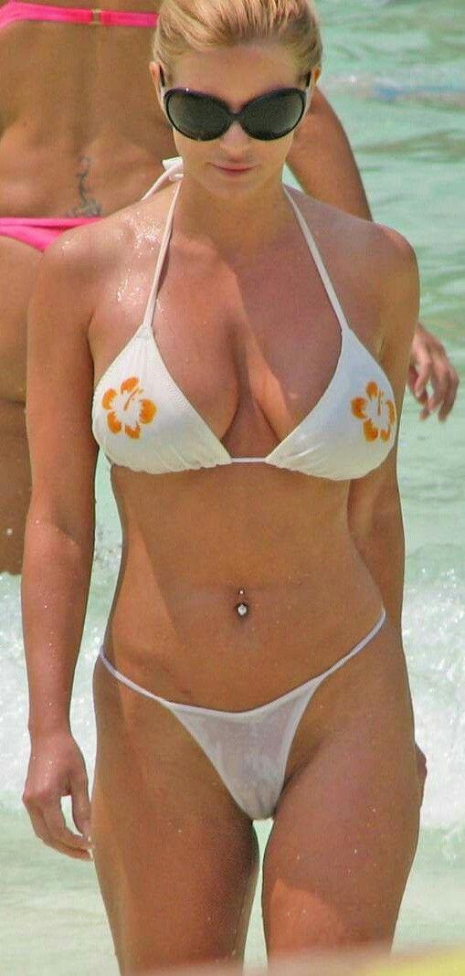 Jessica Simpson bikini cul