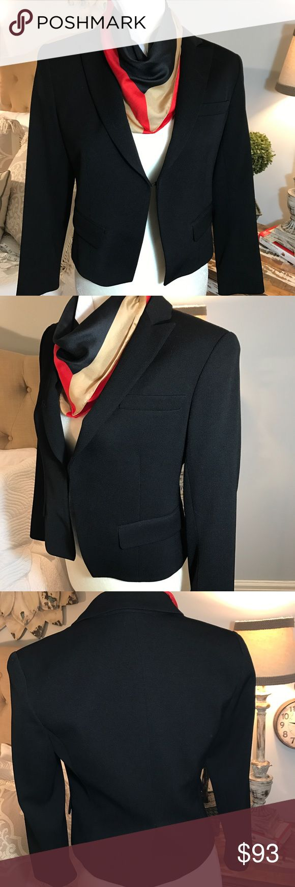 THEORY MODERN BLAZER Peak lapels, hidden front closure, flap chest pocket, flap front pockets,fully lined sleeves and single back vent. This slim fit blazer has room for movement. 93% wool, 5% polyamide, and 2% elastane.  Slightly cropped above the hip. Size 6 Theory Jackets & Coats Blazers