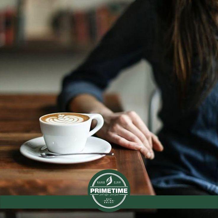 """Wake up, wake up, господа🕺  А если не получается, то вот вам мини-инструктаж:  1. Выпить бодрящий кофе в PRIMETIME  2. Включить любимую музыку 3. Улыбнуться своему отражению, сказать себе """"Just do it!"""" и вперед на покорение вершин!  П.С. А скиньте свой любимый трек, который сделал ваше утро😉  #primetime #coffee #breakfast #nsk #кофе #кофейня"""