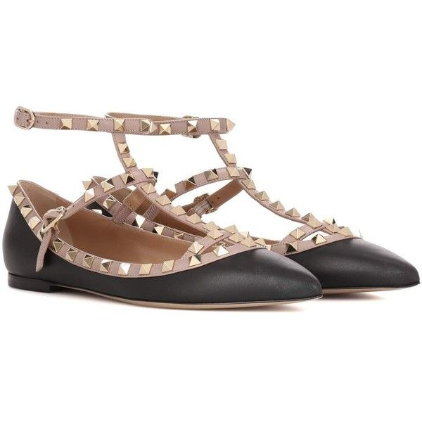 Valentino Valentino Garavani Rockstud Leather Ballerinas (5,865 CNY) ❤ liked on Polyvore featuring shoes, flats, black, black ballet flats, leather ballet shoes, black ballet shoes, ballerina shoes and ballerina flats