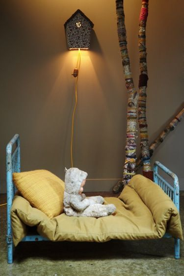 kids bed - cut legs, paint torquiose