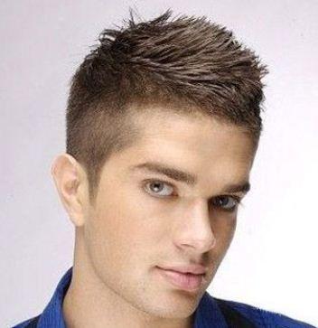 Taglio capelli corti uomo rasati ai lati 2013 - Tagli Corti per Uomini Giovani e Sportivi