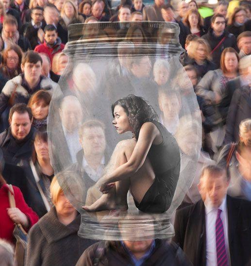 Социофобия - одиночество в толпе