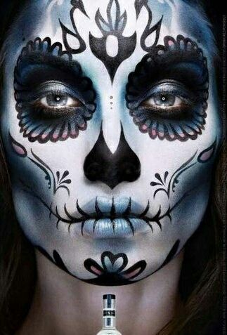 Dia de los Muertos / Sugar Skull Halloween Make Up Idea