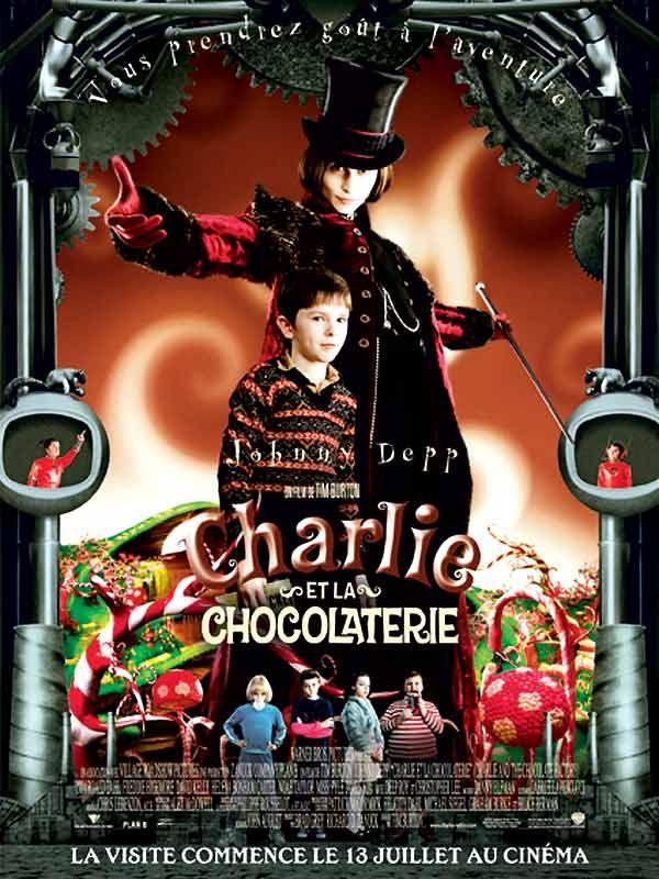 Charlie et la chocolaterie est un film de Tim Burton avec Johnny Depp, Freddie Highmore. Synopsis : Charlie est un enfant issu d'une famille pauvre. Travaillant pour subvenir aux besoins des siens, il doit économiser chaque penny, et ne peut s'offrir