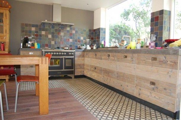 Keukenvloer patroon: leuk de combi hout en tegels