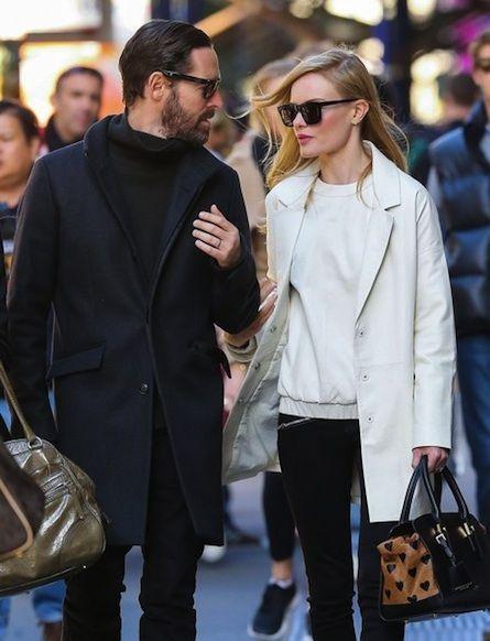 Celebrity Street Style    Picture    Description  .     https://looks.tn/celebrity/street-style/celebrity-street-style-276/