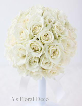 白バラのみのラウンドブーケysfloraldeco@ウェスティンホテル東京