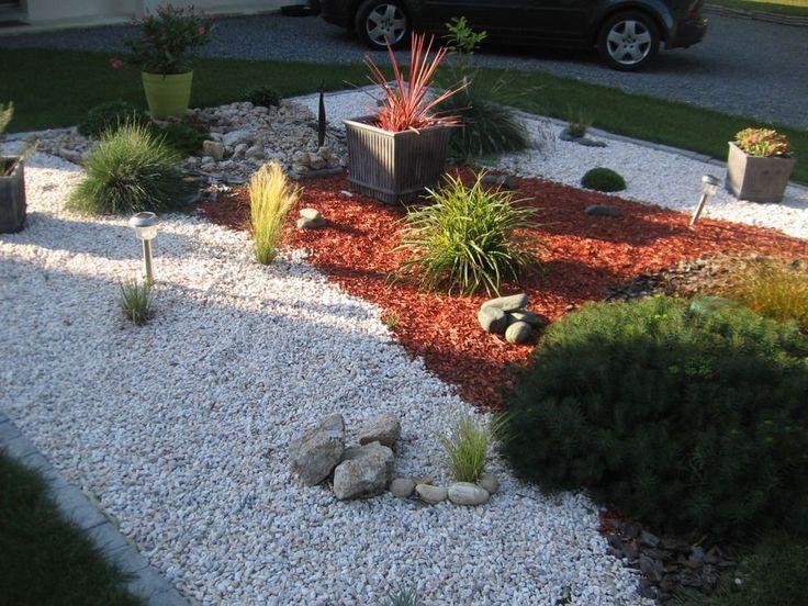 Parterre avec cailloux ecosysteme63 graviers d coratif for Parterre jardin