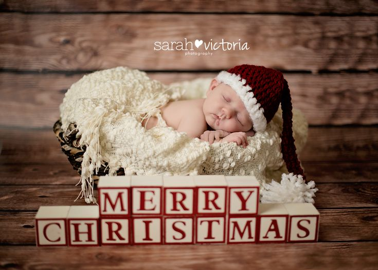 newborn photography Christmas baby girl Friendswood, TX Alvin, TX Sarah Victoria Photography