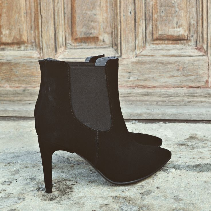 #the5thelementshoes #rosettishowroom #ankle #leather #boots #sale #winter