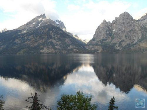 Grand Teton National Park from Wyoming, USA it's the neighbour of famous Yellowstone. But the beautiful scenery is really amazing. Fancy a trip? Get in touch with us today
