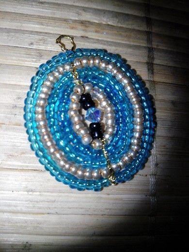 boucles d 39 oreilles en perles et fil de fer voir pendentif mes r alisations d co. Black Bedroom Furniture Sets. Home Design Ideas