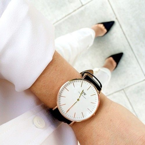 MINIMAL + CLASSIC: all white, black heels & DW watch