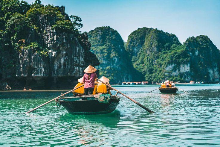 Halong Bay Cruise: Row boat journey to Fishing Village in Bai Tu Long Bay