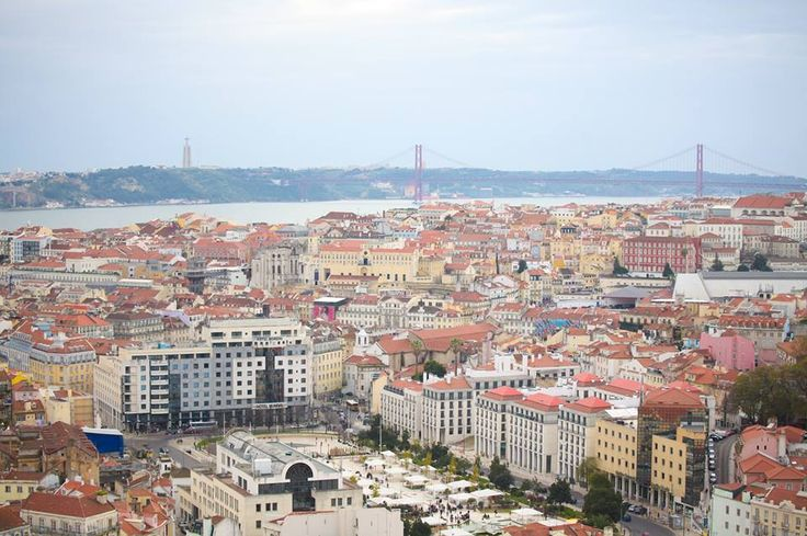 Portugal is one of the best countries for owning property as it has transparent tax rules and offers facilities for obtaining residence permits, as part of new legal provisions that are more attractive to foreign investors. Have you considered owning property in Portugal?