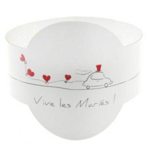 Rond de serviette Vive les mariés carton blanc, dessin voiture des mariés avec ballons coeur rouge  pour déco de table de mariage.
