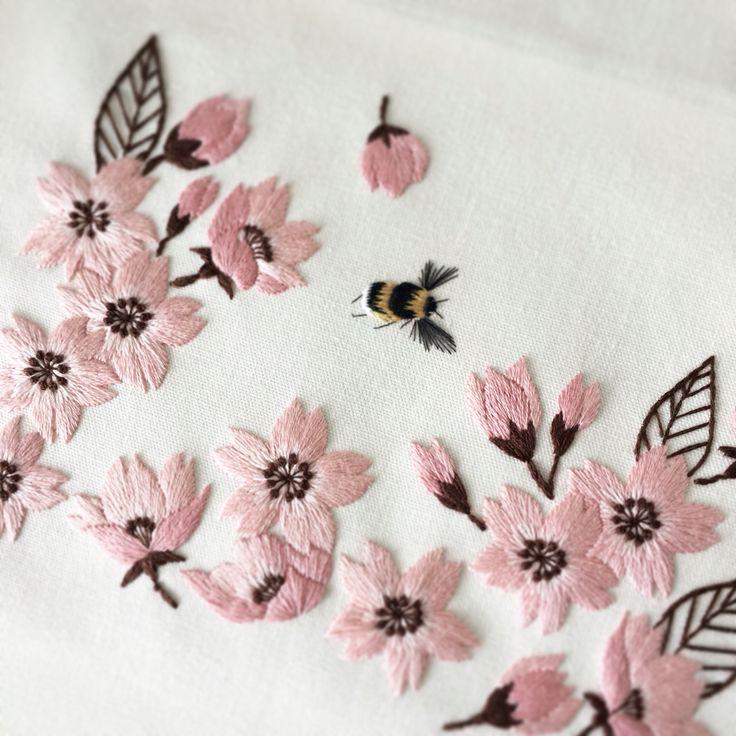桜の刺繍。My embroidery.